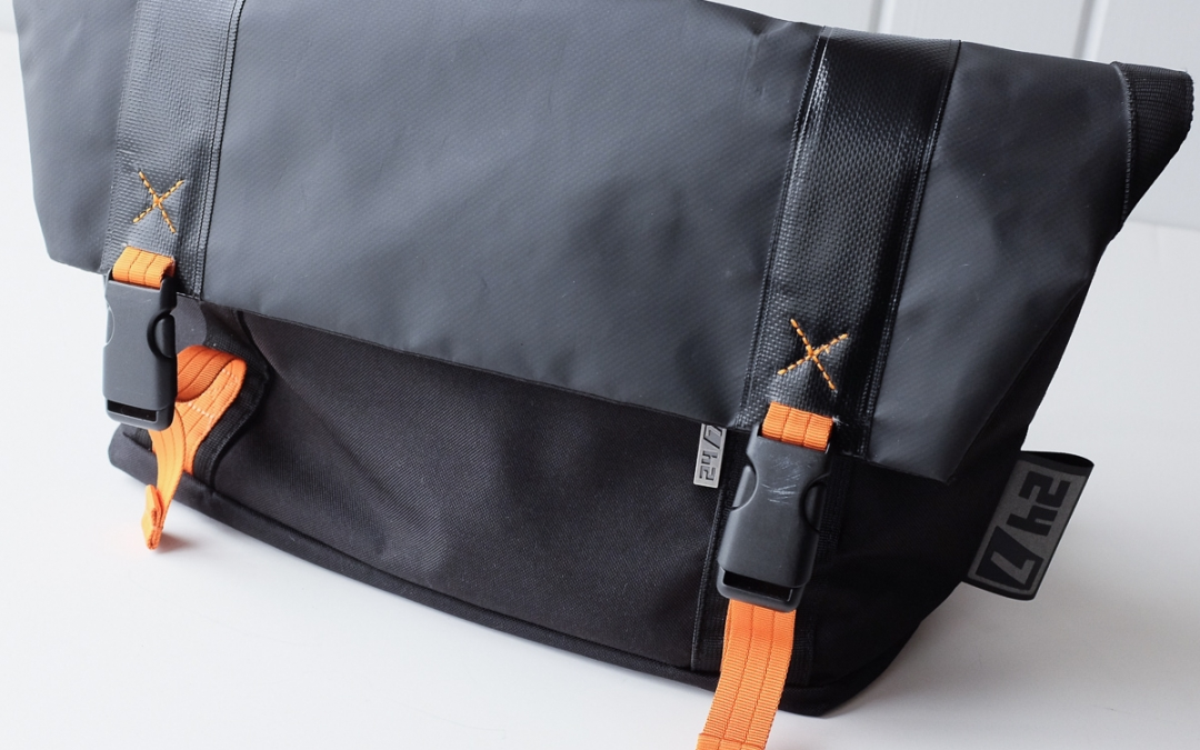 My Review of the Adorama Camera 24/7 Messenger Bag